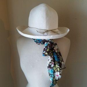 Scala Pronto White Straw Hat & Floral Scarf